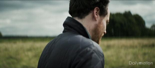 Musikvideo: Metronomy - Everything Goes My Way