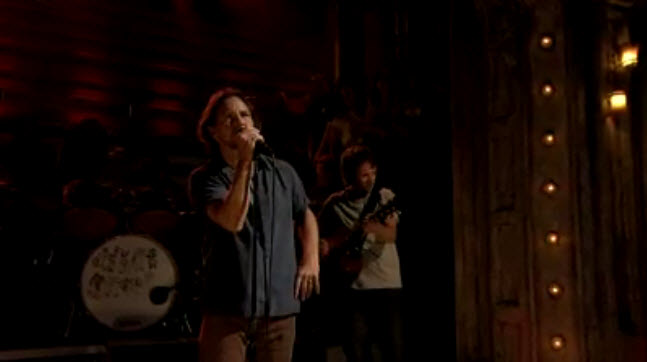 """Pearl Jam - Live-Performance von """"Mother"""" bei Late Night mit Jimmy Fallon"""