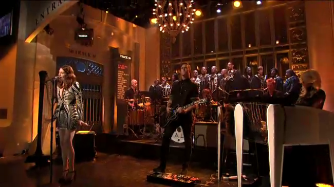 Live: Florence And The Machine @ Saturday Night Live 02