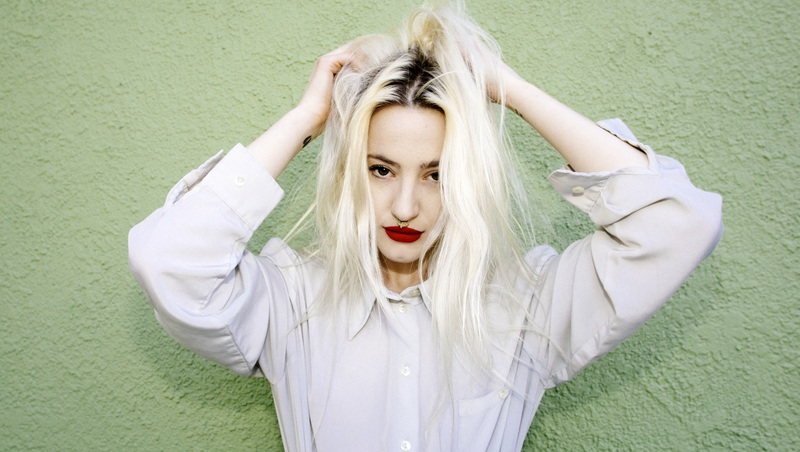 Du_Blonde_Alice_Baxley