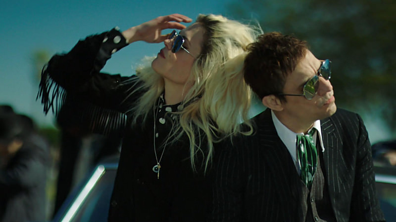 The Kills - Doint It To Death
