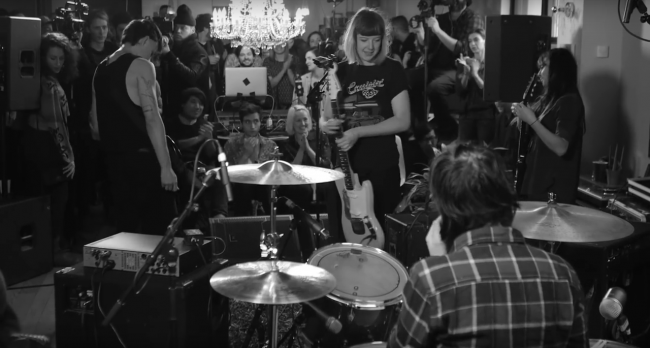 Dilly Dally (Live)