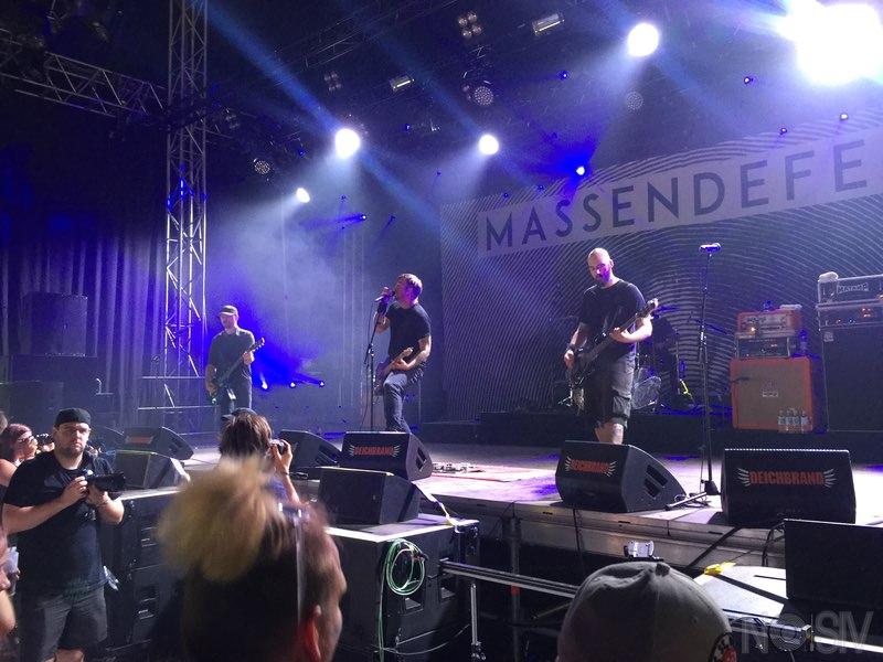 Deichbrand Festival 2016: Massendefekt im Palastzelt
